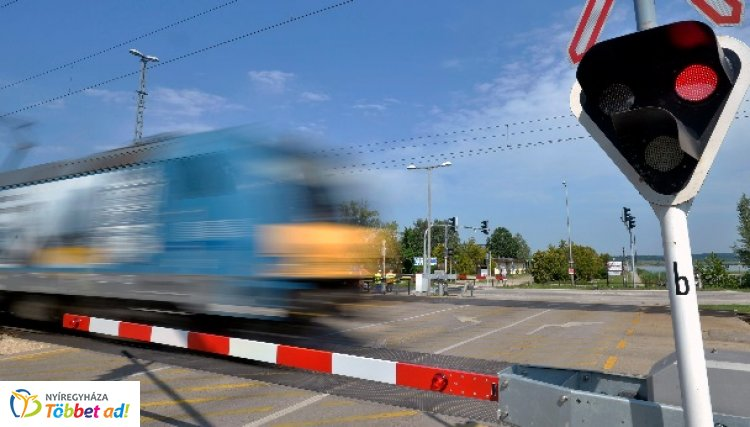 A MÁV és a rendőrség közös akciója – Országos ellenőrzést tartanak a vasúti átjárókban