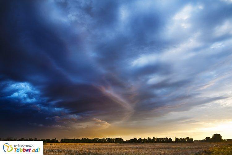 Zivatarveszély és viharos erejű szél – Csütörtökön is országszerte várhatók zivatarok