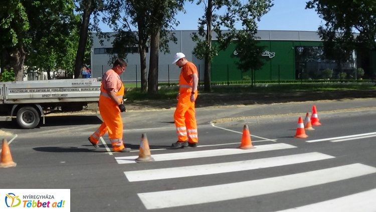 Nyár közepére teljesen megújul a Tünde utca – A részletekért kattintson!