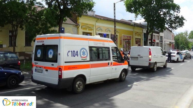 Zebrán gázoltak el gyalogost a belvárosban, a férfit kórházban ápolják