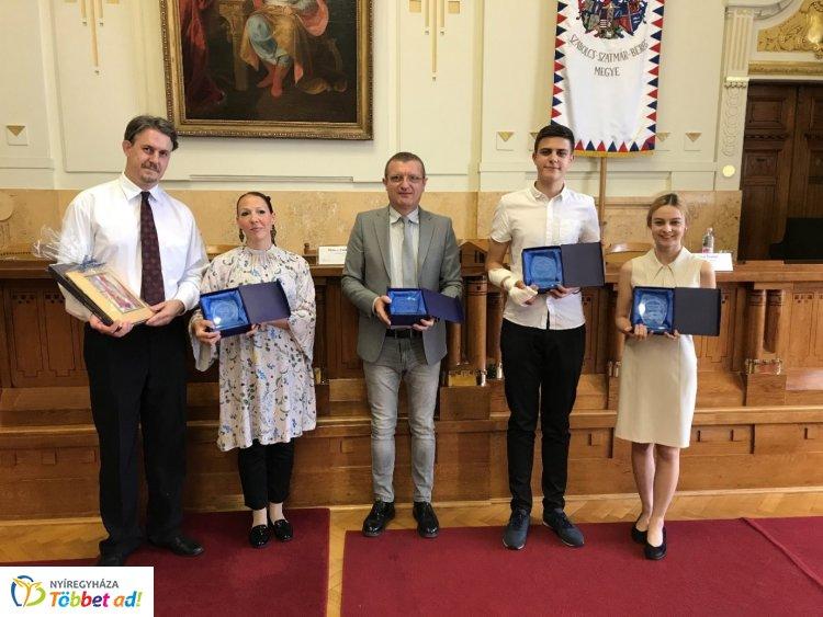Megyei tehetségnap-díjátadó ünnepség  - Diákokat és tanárokat ismertek el