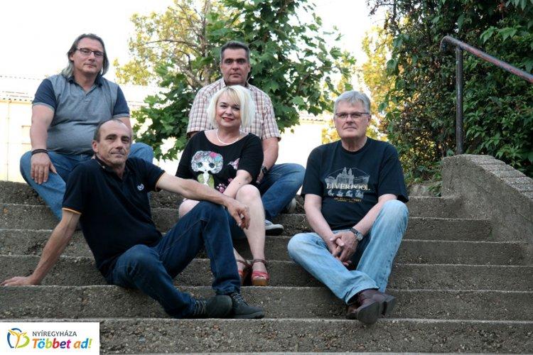 A Mentha Project zenekar tagjaival beszélgettünk a Sziesztában