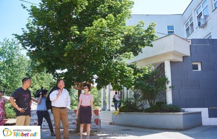 Folytatódik az önkormányzati épületek energetikai korszerűsítése – A Gárdonyi is megújul!
