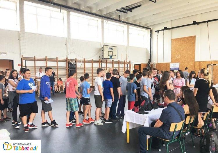 Pályaorientáció a Móricz Iskolában – A honvédség és a katasztrófavédelem is bemutatkozott