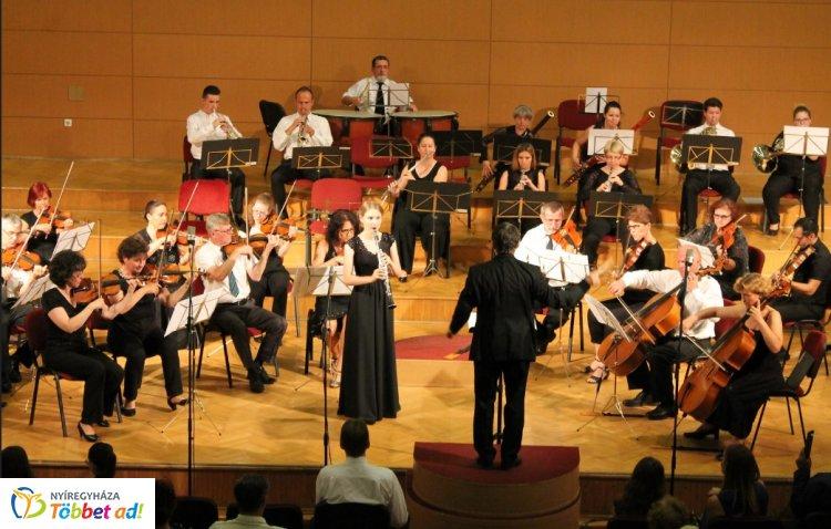 Ifjú tehetségek hangversenye a Szabolcsi Szimfonikus Zenekarral