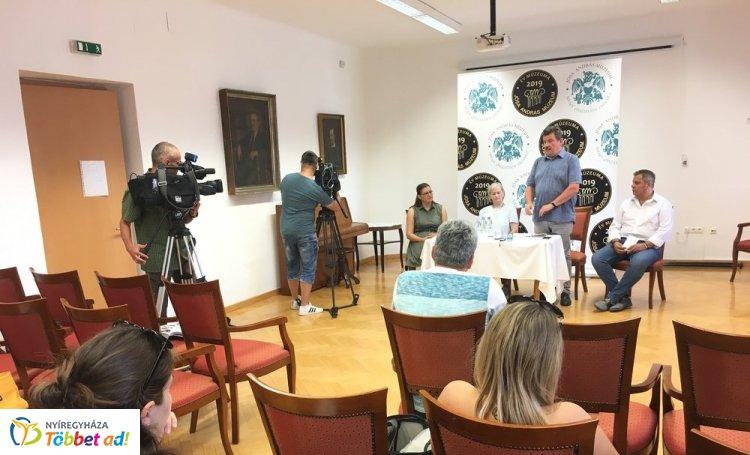 Könyvek, kiállítás, ásatás és egy hosszú éjszaka a Jósa András Múzeumban – Videó!
