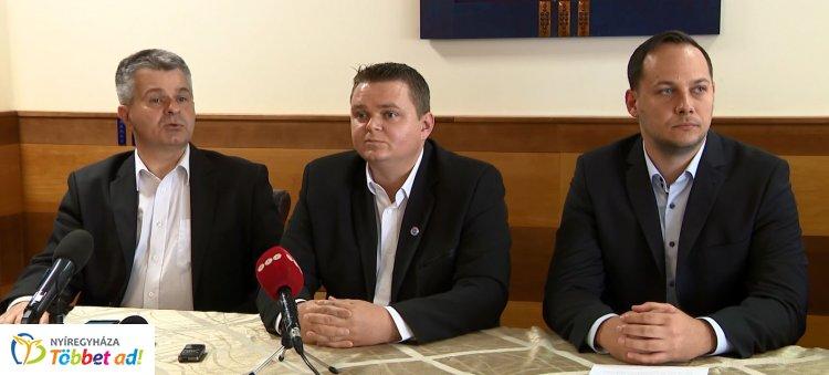 Szövetség Nyíregyházáért témában tartottak sajtótájékoztatót pénteken délután