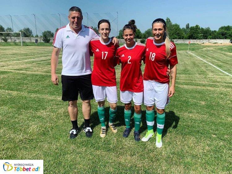 Válogatott futballisták a Szpariból - jótékonysági meccset játszottak a lányok