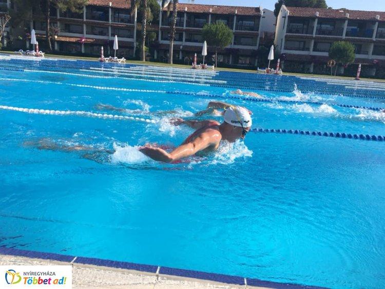 Törökországi edzőtáborban készülnek a Nyíregyházi Sportcentrum úszói