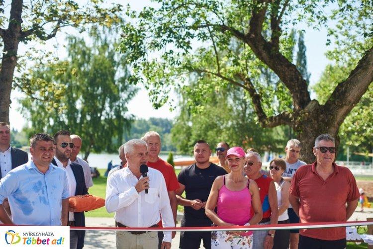 Szombaton megnyitott a 250 millió forintból felújított Tófürdő – Óriási volt az érdeklődés