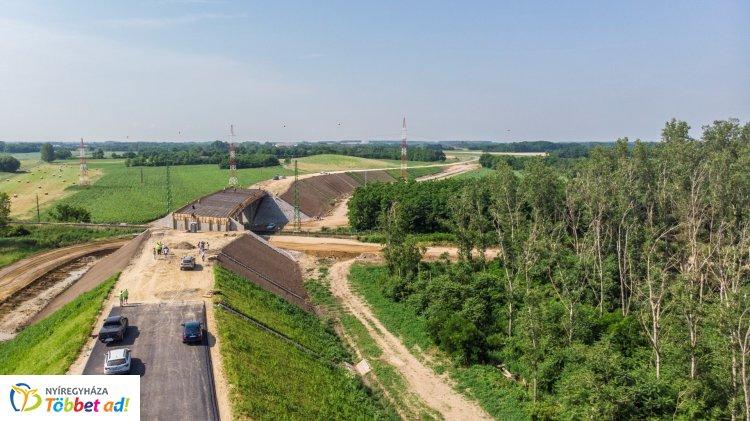 Jó ütemben halad a nyugati elkerülő út építése - Tehermentesíti Nyíregyháza forgalmát