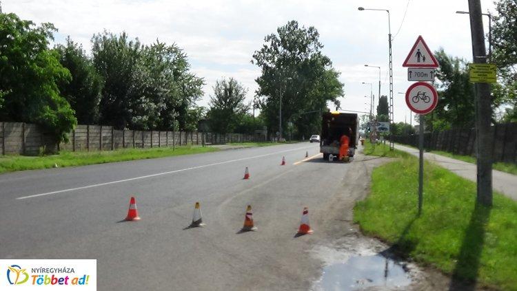 Megkezdődött a tervezett körforgalmi csomópont építése a Tiszavasvári úti kereszteződésben