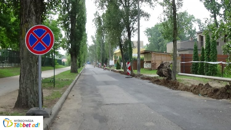 Parkolni és várakozni is tilos - Megkezdődött a Blaha Lujza sétány felújítása