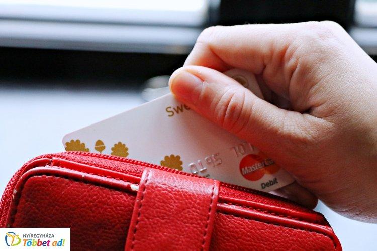 A pénzügyminiszter a banki adategyeztetés határidejének meghosszabbítását javasolja