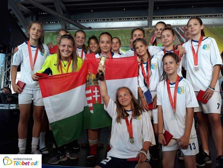Tornagyőztes nyíregyházi lányok - Ausztriában a fiatal focisták