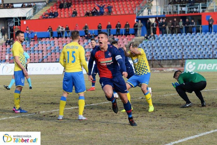 Marad a Szpari csapatkapitánya - Fodor Ferenccel hosszabbított a klub