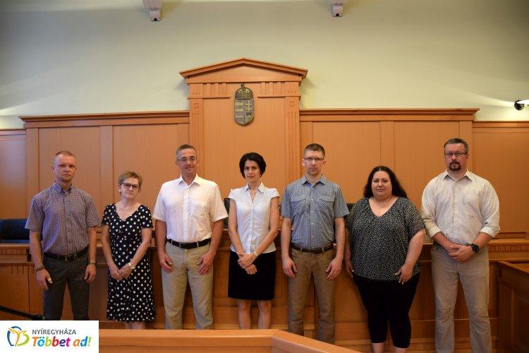 Pervezetési verseny – Bírósági titkárok vetélkedtek a Nyíregyházi Törvényszéken