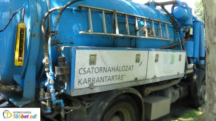 A csapadékvíz-elvezető rendszeren dolgoznak az Ószőlő utcán – Forgalomkorlátozás!