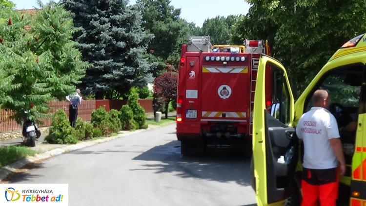 Tűzhelyen felejtett étel okozott tüzet egy Kiss Lajos utcai családi házban Nyíregyházán