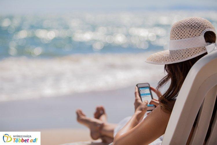 Világgá kürtölöm, nyaralok! – Bruszel Dóra jegyzete a nyaralásról és a közösségi médiáról