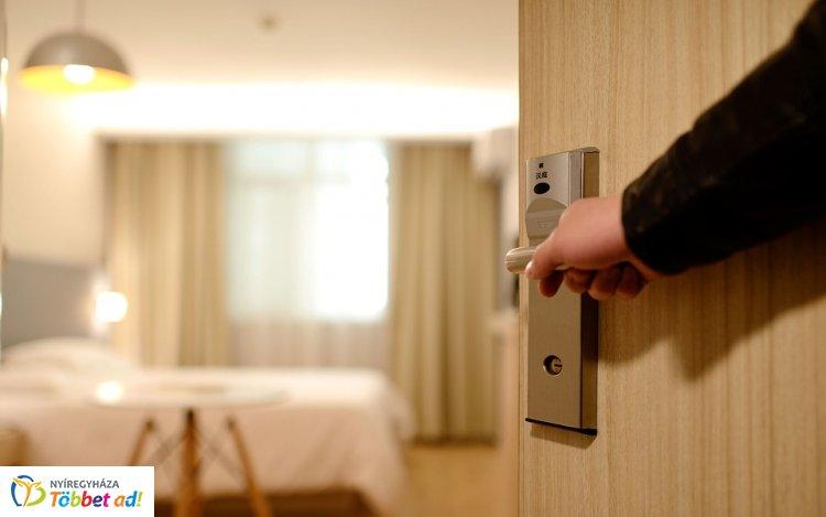 Július elsejétől elindult a digitális adatszolgáltatás a szállodákban