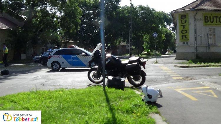 Nyolc napon túl gyógyuló sérüléseket szenvedett a Szent István utcán karambolozó motoros