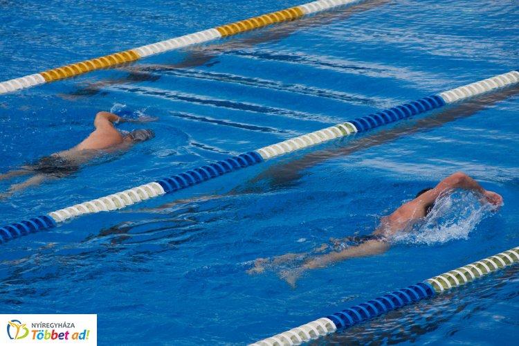 Hatházi Dóri döntőt úszik az Ifi Eb-n Kazanyban a 4x100 m-es váltó tagjaként