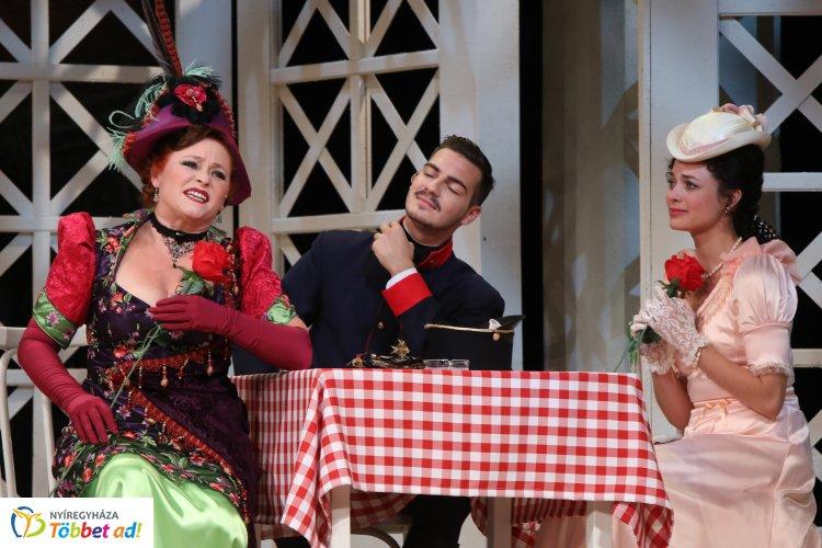 Veszprémi vendégprodukcióval folytatódik a Zenés VIDOR Nyár a Rózsakertben