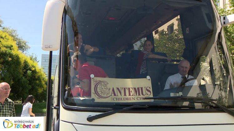 Japánba indult a Cantemus – Az osakai Zeneakadémián is színpadra állnak