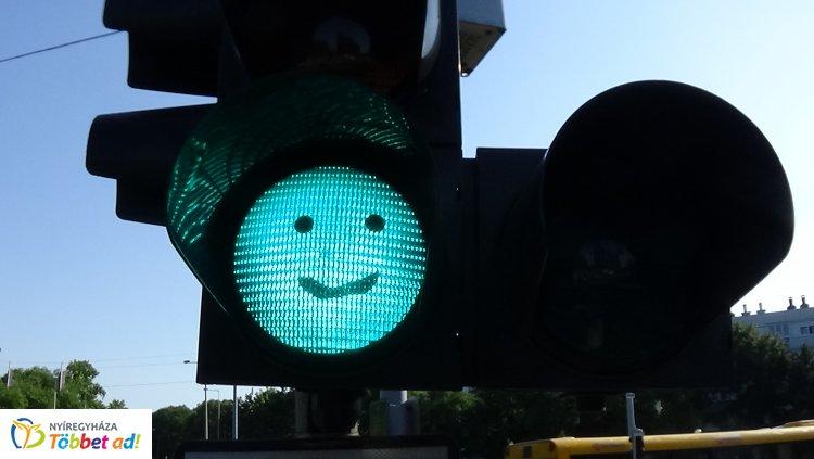 Ilyen jelzőlámpákat még biztosan nem láttak a nyíregyházi utakon közlekedők!
