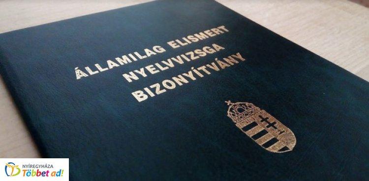Még mindig több mint százezer diploma ragadt bent a nyelvvizsga hiánya miatt!