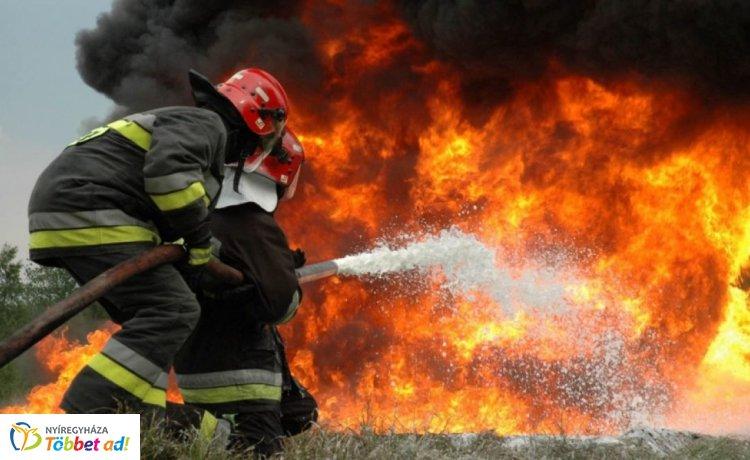 Tűz ütött ki egy nyírcsászári házban szombaton – Az épület lakatlan lehetett