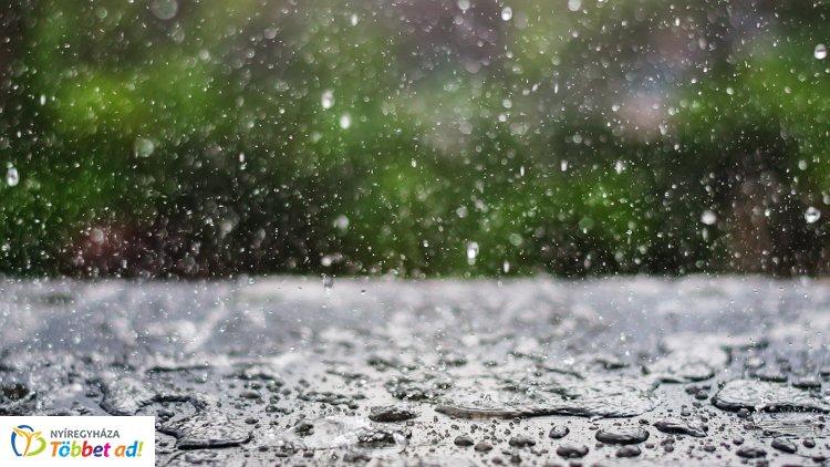 Országszerte zivatarra, felhőszakadásra figyelmeztetnek: Nyíregyházát is elérte a csapadék