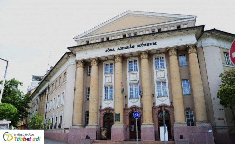 Csíkos kanapé és Sokol rádió? A Jósa András Múzeum szabadulószobával repít vissza 1980-ba