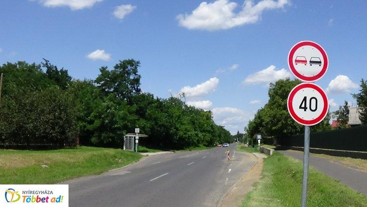 Sebességkorlátozás, 40 km/h a max! Erre figyeljünk, ha a Westsik Vilmos utcán közlekedünk!