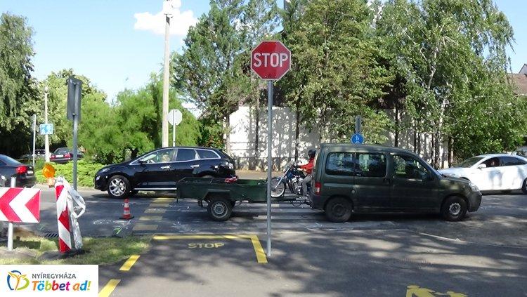 Nem adott elsőbbséget egy kerékpáros a Korányin, elgázolták – Kórházba szállították!