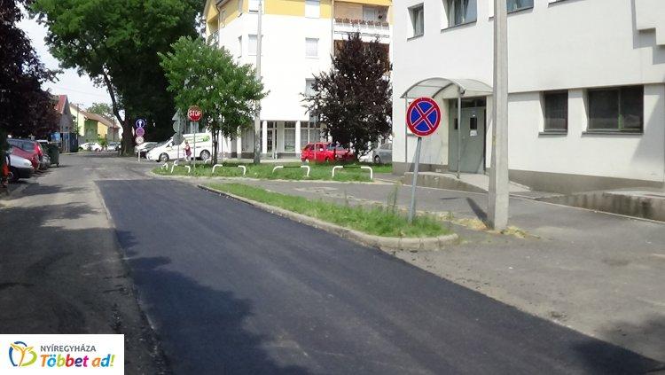 Útfelmarási munkálatok miatt lezárták a Selyem utca Városi Galéria felőli részét