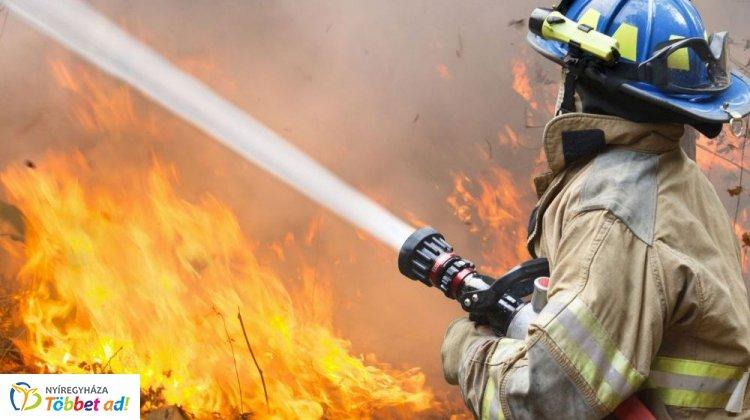 Katasztrófavédelem: a Pásztor utcában és az Ilona tanyán is tűz volt vasárnap Nyíregyházán
