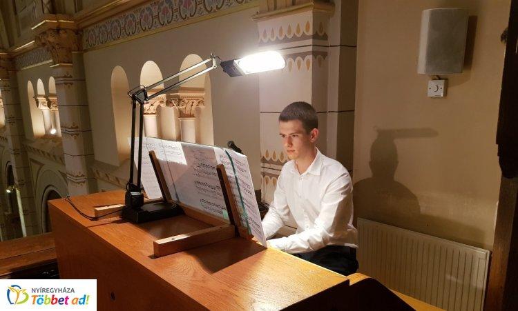 Lenyűgöző koncerttel kapcsolódott Nyíregyháza az Orgonák Éjszakájához