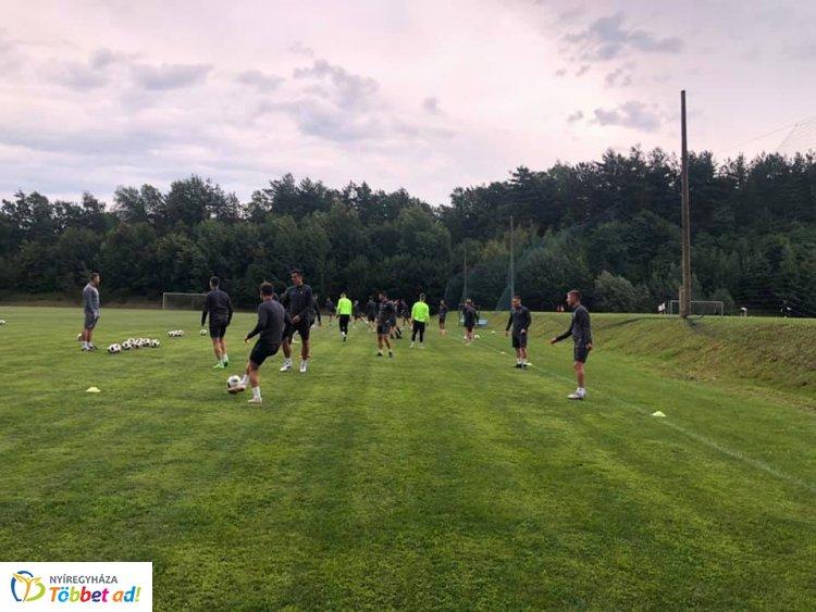 Edzőtábor után a Szpari – A jövő héten szurkolói ankétot tart a klub