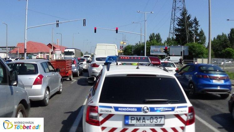 Hármas karambol a Debreceni úton, személyi sérülés nem történt