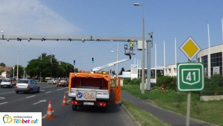 Forgalomkorlátozás mellett végeztek ma délelőtt az Orosi úti VÉDA kapu karbantartását