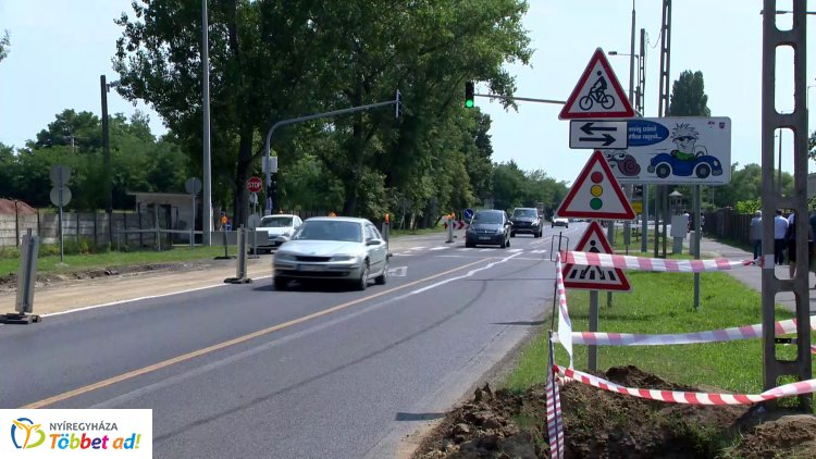 Körforgalom épül a Tiszavasvári út, a Szélsőbokori út és a Fokos utca kereszteződésében
