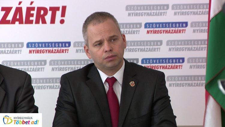 Az 5. számú választókörzetben az MSZP-s Jeszenszki Andrást indítja a Szövetségben