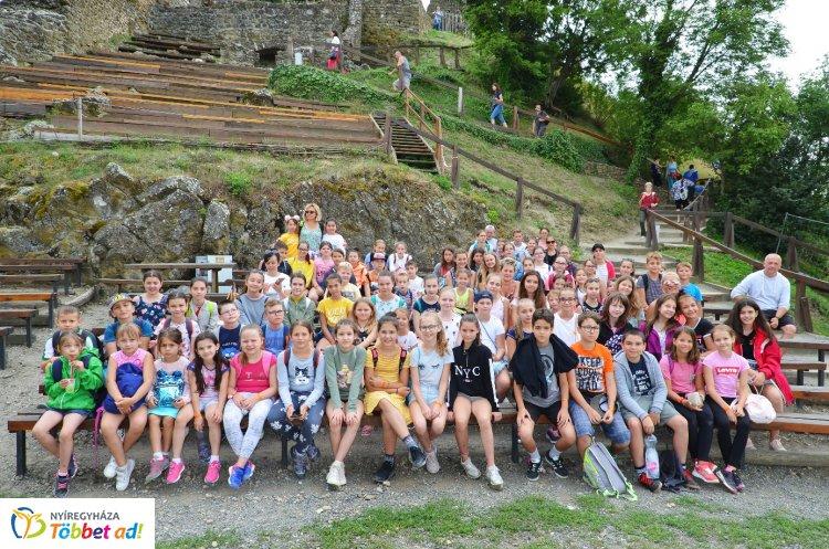 A Kodály Zoltán Általános Iskola diákjai már évközben nagyon várták a szigligeti tábort