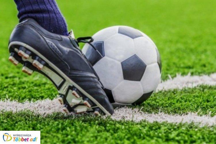 Borbánya–Gólbánya focibajnokság - augusztus 19-én a Petőfi Sándor Általános Iskolában