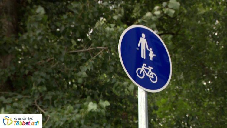 Jó hír a kerékpárosoknak: megújult a burkolat a Kígyó és a Kert utca közötti kerékpárúton!