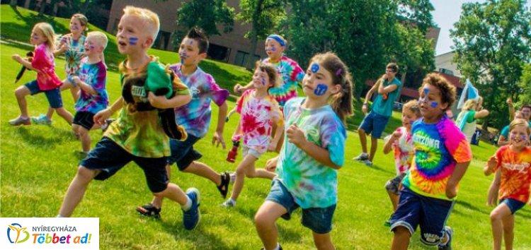 A nyíregyházi önkormányzat nyolc helyszínen, több mint 1600 gyerek nyaralását támogatta