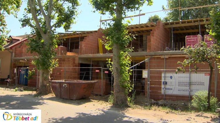 Novemberre elkészülhet Nyíregyháza korszerű nappali szociális ellátó központja az Őz utcán