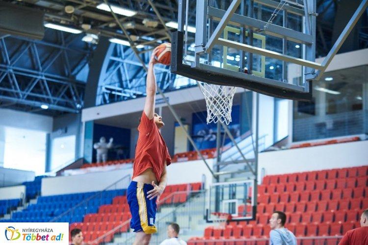 Kosaras felkészülés - Edzőmeccs a Vasas ellen, Baján kezdi a bajnokságot a Nyíregyháza